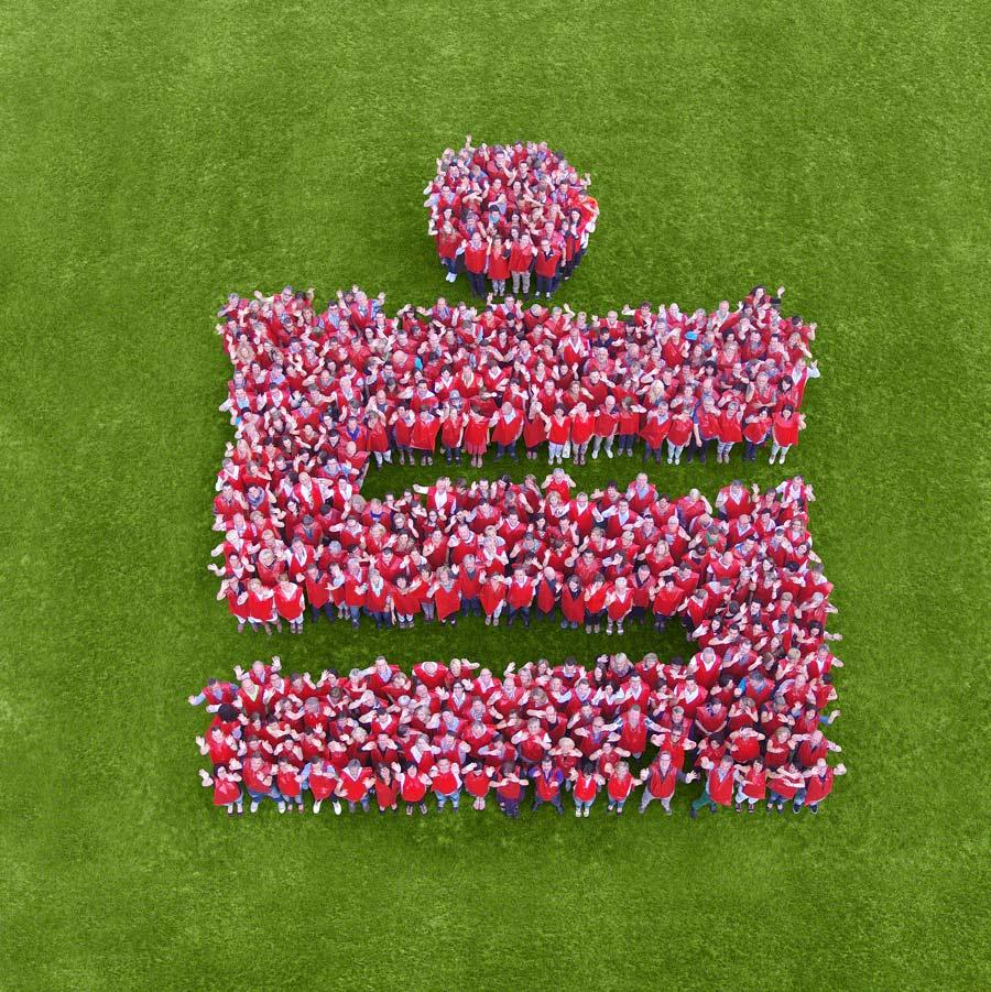 Luftbild Sparkasse Logo aus Mitarbeitern